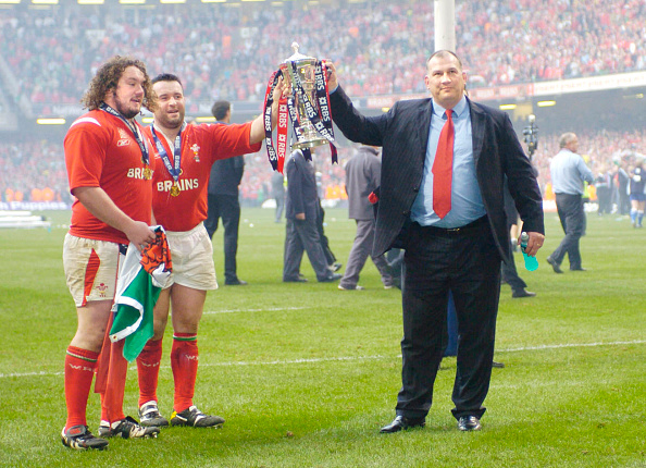 Patriotism「MIKE RUDDOCK WITH SIX NATIONS CUP」:写真・画像(15)[壁紙.com]