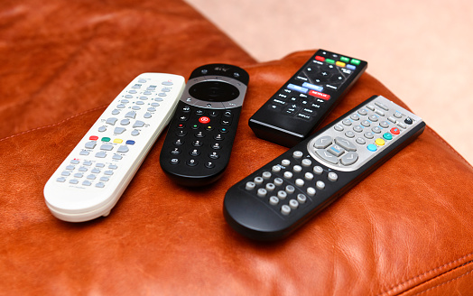 Watching TV「REMOTE CONTROLS ON COUCH」:スマホ壁紙(13)