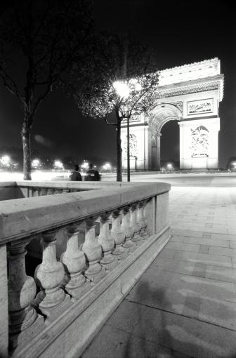 Arc de Triomphe - Paris「ARC DE TRIOMPHE AT NIGHT PARIS,FR」:スマホ壁紙(5)