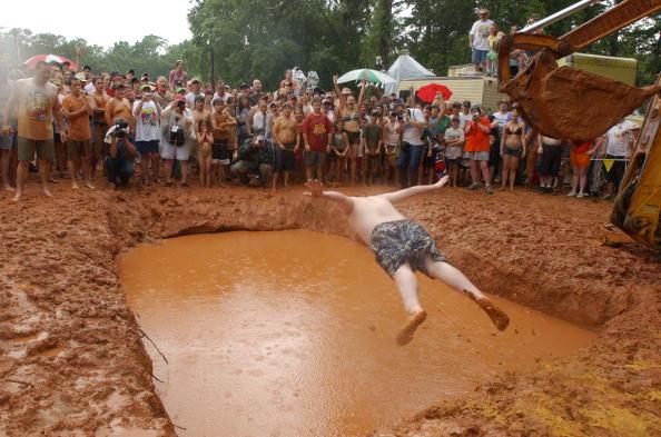 Human Abdomen「Pigs Feet And Mud Pits Reign At Redneck Games」:写真・画像(8)[壁紙.com]