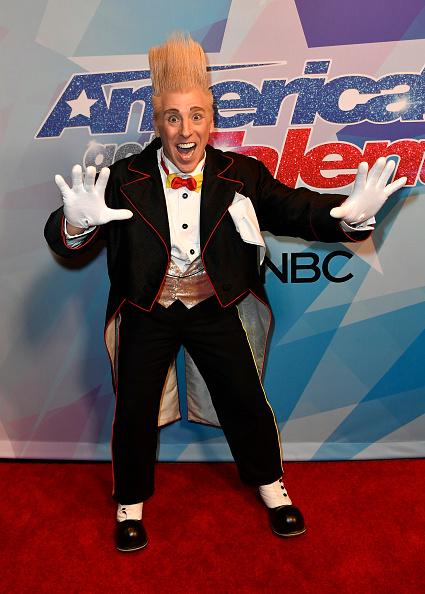 カメラ目線「Premiere Of NBC's 'America's Got Talent' Season 12 - Arrivals」:写真・画像(10)[壁紙.com]