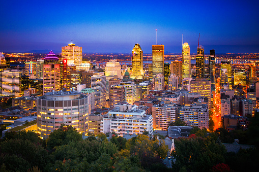 Montreal「Downtown Montreal Skyline at night」:スマホ壁紙(2)