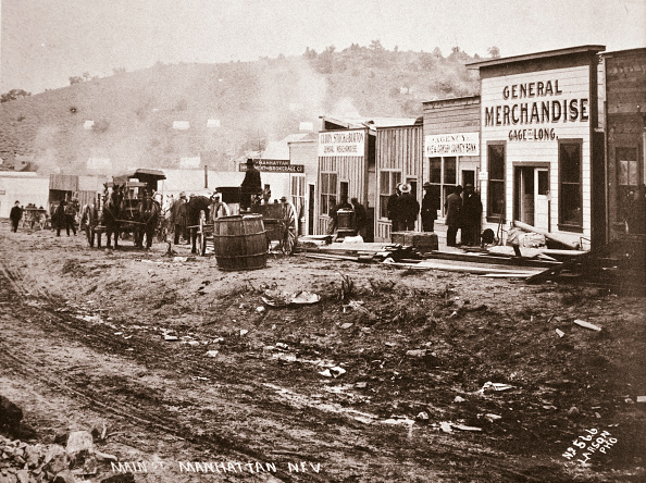 Town「Main Street Manhattan Nevada Early 1900s」:写真・画像(3)[壁紙.com]