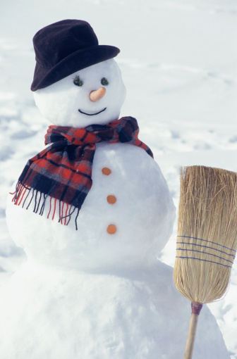 雪だるま「Snowman with broom」:スマホ壁紙(10)