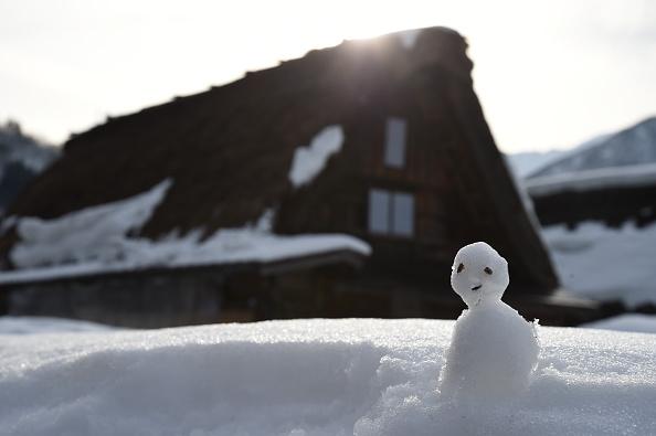 雪だるま「World Heritage Shirakawa Go Winter Illumination」:写真・画像(3)[壁紙.com]