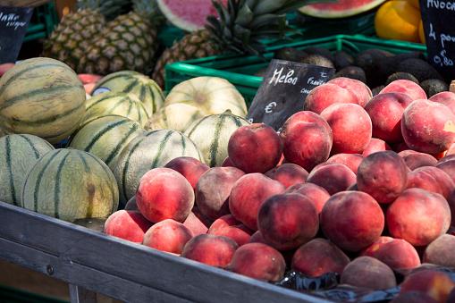 メロン「France, Bormes-les-Mimosas, fruit stall」:スマホ壁紙(0)