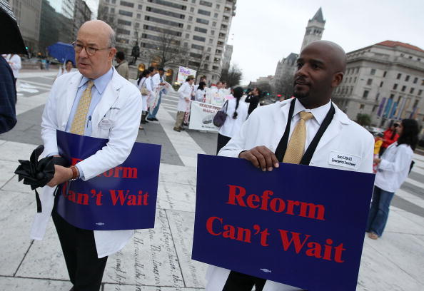 Support「Health Care Professionals Rally In Support Of Health Care Reform」:写真・画像(4)[壁紙.com]