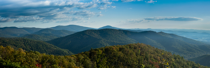 Wilderness Area「A stunning panorama of Blue Ridge Mountains」:スマホ壁紙(13)