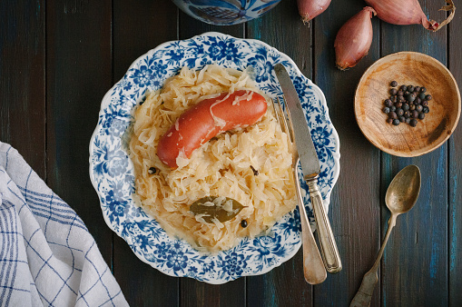 Sauerkraut「Sauerkraut and sausage on plate」:スマホ壁紙(5)