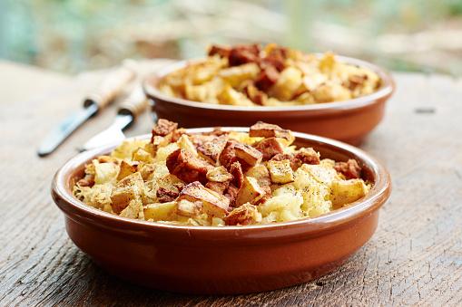 Celery「Sauerkraut, mashed potato casserole with crispy celery root and spicy tofu」:スマホ壁紙(17)