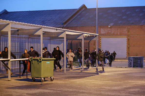 Sangatte「Migrants Gather At Calais Border Pressure Point」:写真・画像(14)[壁紙.com]