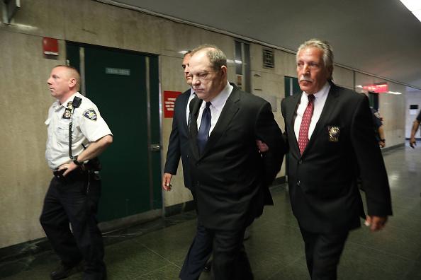Cuff「Harvey Weinstein Returns To Court On Three New Felony Sex Crimes」:写真・画像(5)[壁紙.com]