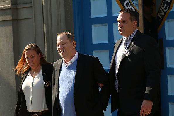 Cuff「Harvey Weinstein Turns Himself In After Sex Assault Investigation In NYC」:写真・画像(17)[壁紙.com]