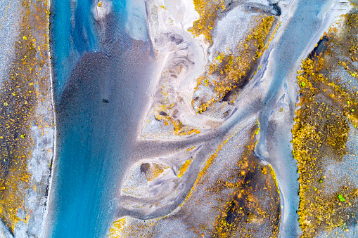 Stream - Flowing Water「Aerial Shot of Braided River in South Central Iceland」:スマホ壁紙(11)