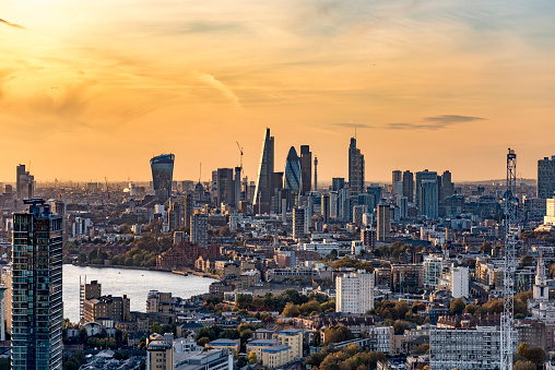 City of London「aerial shot of the city of London at sunset」:スマホ壁紙(19)