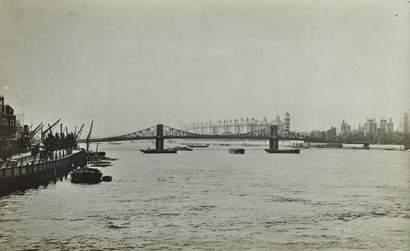Physical Geography「The Thames And Lambeth Bridge Looking Downstream, 1897」:写真・画像(12)[壁紙.com]