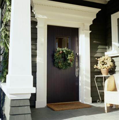 Front Door「Wreath hanging on front door」:スマホ壁紙(17)