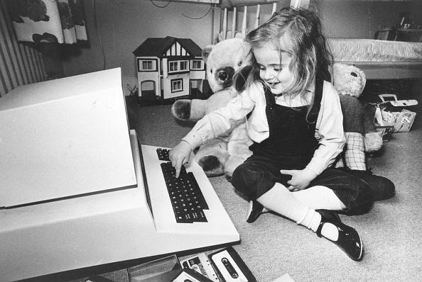 Computer「Typing Tot」:写真・画像(18)[壁紙.com]