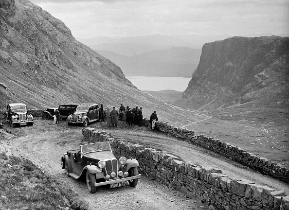 Hairpin Curve「SS Jaguar 1 competing in the RSAC Scottish Rally, 1936」:写真・画像(17)[壁紙.com]