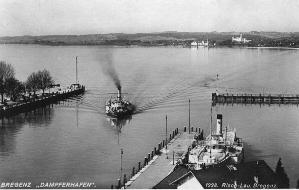 Passenger Craft「The Steamship Port Of Bregenz. About 1930. Photograph.」:写真・画像(13)[壁紙.com]