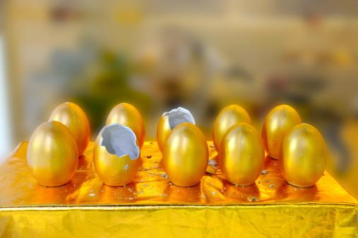 Cartoon「Gold eggs」:スマホ壁紙(3)