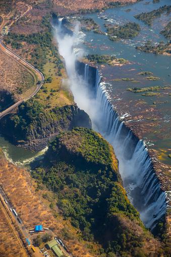 Spraying「Victoria Falls」:スマホ壁紙(5)