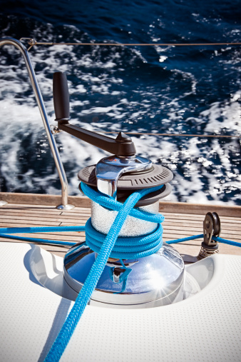 Sailboat「Winch with rope and handle on sailing boat」:スマホ壁紙(5)