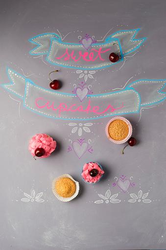 サクランボ「Cup cakes with cherry topping on painted blackboard」:スマホ壁紙(19)