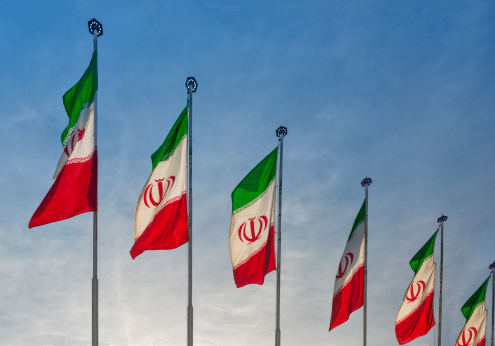 Iranian Culture「Iranian flags displayed on streets」:スマホ壁紙(16)
