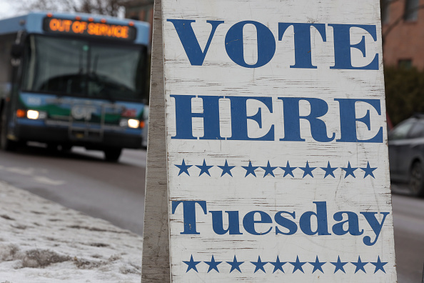 Super Tuesday「Vermont Voters Prepare To Vote In Super Tuesday Primary」:写真・画像(2)[壁紙.com]
