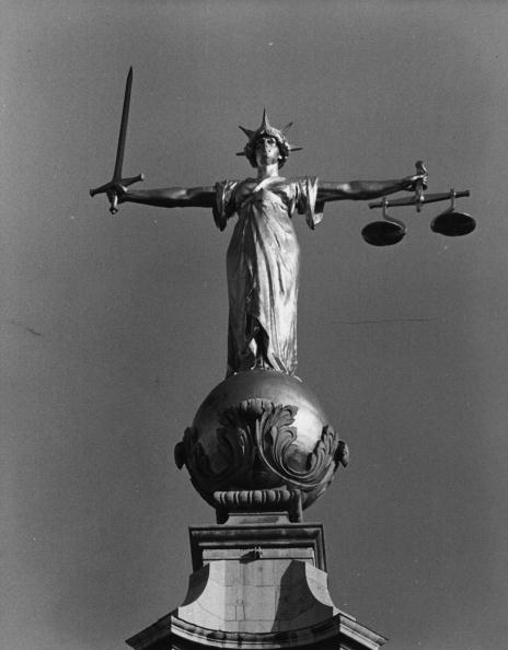 Tim Graham「Scales Of Justice」:写真・画像(3)[壁紙.com]