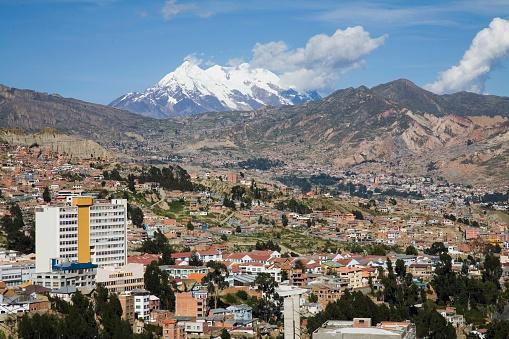 Bolivian Andes「La Paz with Mount Illimani」:スマホ壁紙(3)