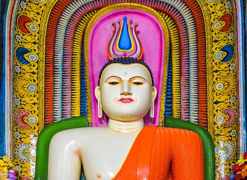 Sri Lanka「Bhuddist shrine in  Kande Viharaya」:スマホ壁紙(2)