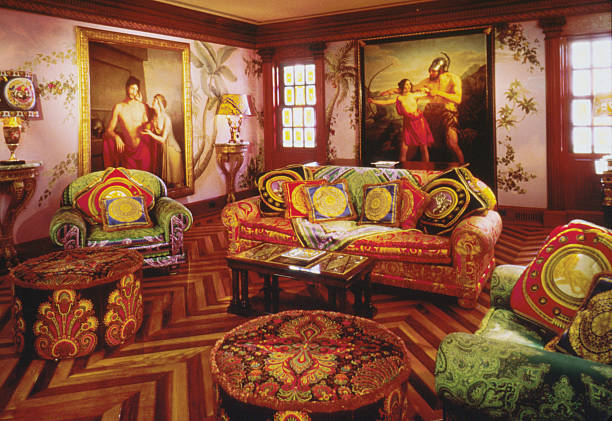 Sotheby's Versace Auction:ニュース(壁紙.com)