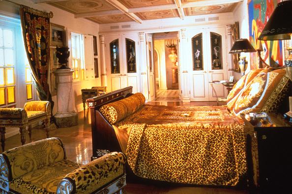 Bed - Furniture「Sotheby's Versace Auction」:写真・画像(1)[壁紙.com]