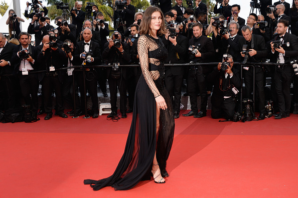 "Atelier Versace「""The Unknown Girl (La Fille Inconnue)"" - Red Carpet Arrivals - The 69th Annual Cannes Film Festival」:写真・画像(15)[壁紙.com]"
