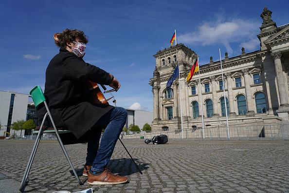 Germany「The Coronavirus Crisis In Germany: Week 8」:写真・画像(4)[壁紙.com]