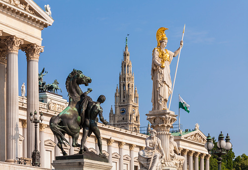 Austria「Austria, Vienna, parliament, Statue Pallas Athene, city hall in background」:スマホ壁紙(3)