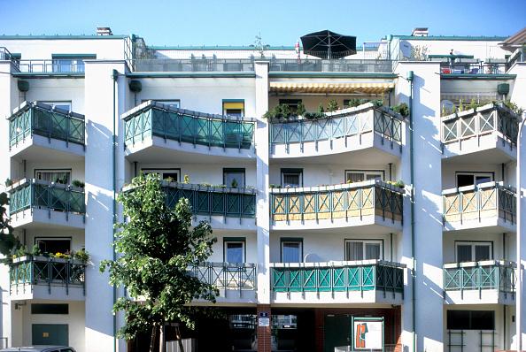 Apartment「Austria, Vienna, modern municipal building」:写真・画像(15)[壁紙.com]