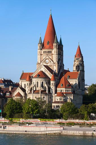 20th Century Style「Austria, Vienna, view to Franz von Assisi Church」:スマホ壁紙(7)