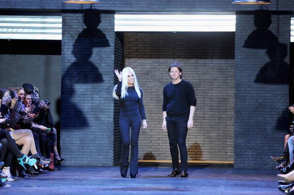 Christopher Kane - Designer Label「Versus: Runway - Milan Fashion Week Womenswear Autumn/Winter 2012/2013」:写真・画像(9)[壁紙.com]