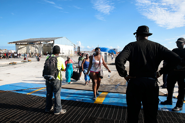 Ferry「Bahamas Relief Effort Begins in Wake of Dorian Destruction」:写真・画像(8)[壁紙.com]