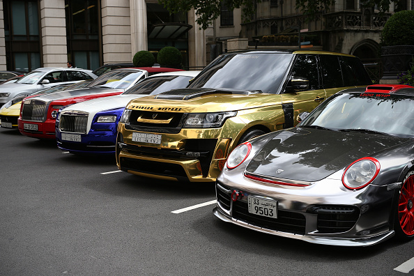 Luxury「Supercars Arrive In Knightsbridge For The Summer」:写真・画像(2)[壁紙.com]