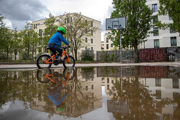 Basketball - Sport「Playgrounds Begin To Reopen In Berlin During The Coronavirus Crisis」:写真・画像(8)[壁紙.com]