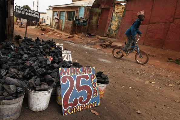 Fossil Fuel「Africa's Largest Slums Struggle With Rising Food Prices」:写真・画像(5)[壁紙.com]
