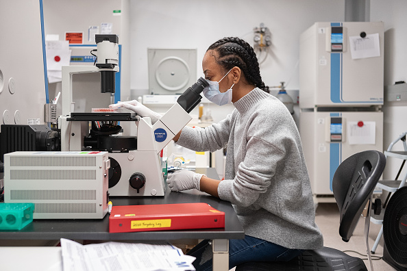 Recovery「New York Lab Prepares To Test Serum From Recovered COVID-19 Patients For Possible Therapy」:写真・画像(2)[壁紙.com]