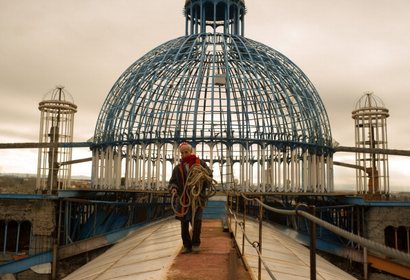 Cathedral「Former Monk Builds His Own Cathedral」:写真・画像(4)[壁紙.com]