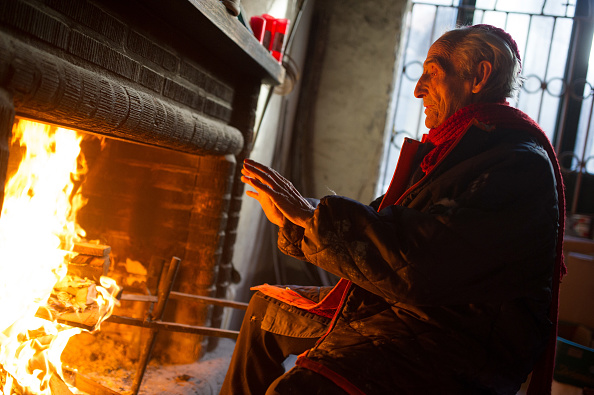Fireplace「Former Monk Builds His Own Cathedral」:写真・画像(0)[壁紙.com]