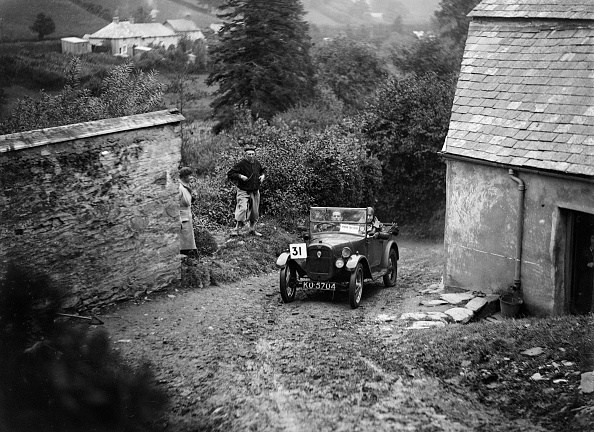 Country Road「Austin Chummy of PW Sherrin competing in the JCC Lynton Trial, 1932」:写真・画像(6)[壁紙.com]