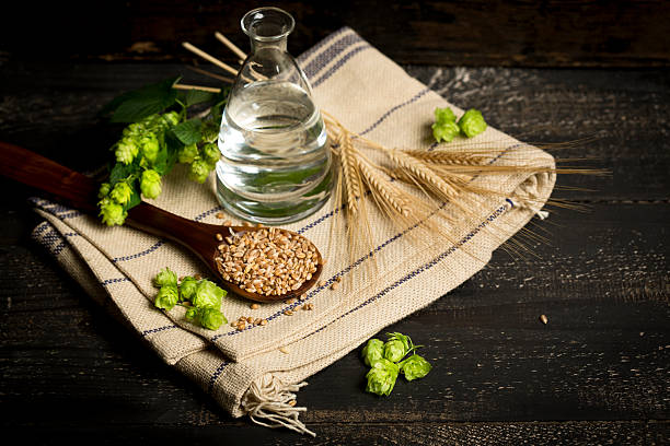 Ingredients for brewing beer, hops, water, barley:スマホ壁紙(壁紙.com)